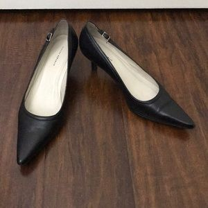 Banana republic black leather heel shoe size 7